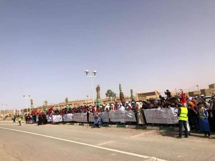 منع نصب الخيم وسط الرمال يغضب صغار مستثمري مرزوكة - صور 1