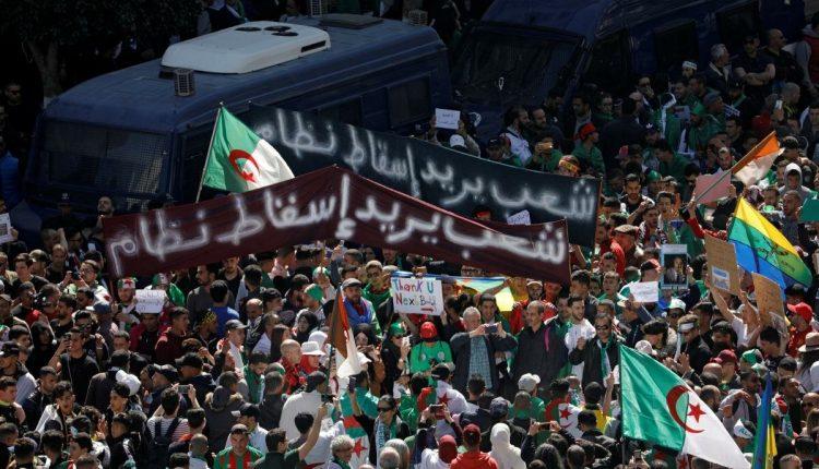 لجنة حقوقية :حوالي 100 جزائري يقبعون في السجون بسبب آرائهم