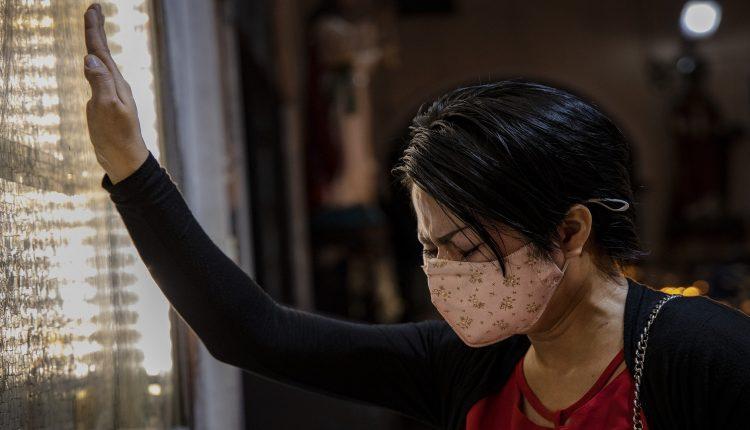 """منظمة الصحة العالمية : العالم لن يتغلّب على فيروس """"كورونا"""" قبل نهاية العام"""